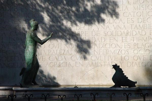 Picture of Paseo de la Castellana (Spain): Castellana: statue in walking area, Madrid