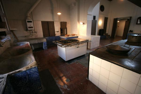 Picture of Pedralbes monastery (Spain): Kitchen of the old infirmary of Pedralbes monastery