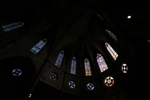 Photo de l'Espagne (Colorful gothic windows in the Pedralbes church)