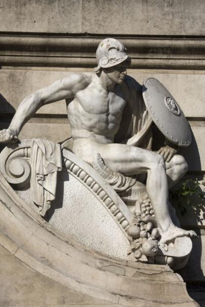 Foto de Warrior sculpted on one side of the Cervantes MonumentMadrid - España