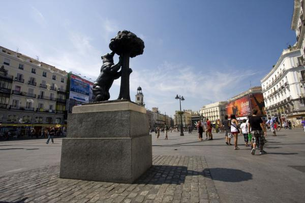 The typical view of Puerta del Sol: Madroño tree and the square | Puerta del Sol | Spain