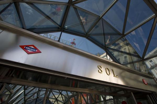 Picture of Puerta del Sol (Spain): Sol subway station: entrance on Puerta del Sol