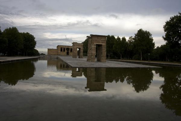 Temple of Debod reflected in the pond on a cloudy morning | Temple of Debod | Spain