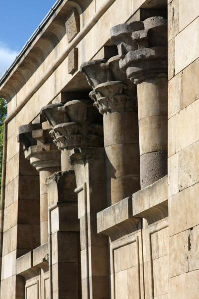 Side view of the columns over the entrance of the Temple of Debod | Temple of Debod | Spain