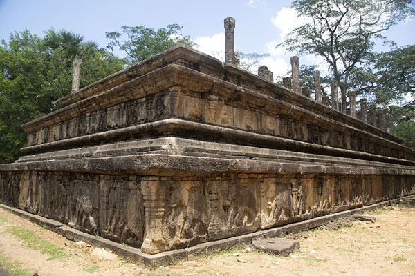 Platform of the Audience Hall with carved elephants at its base | Ancien ville de Polonnaruwa | Sri Lanka