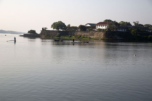View across the lagoon of the old Dutch fort - 斯里兰卡