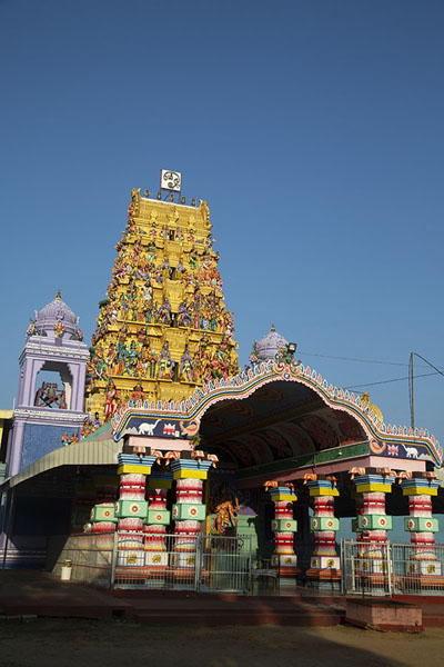 The brilliant Anaipanthi Pillaiyar Kovil Hindu temple in Batticaloa - 斯里兰卡
