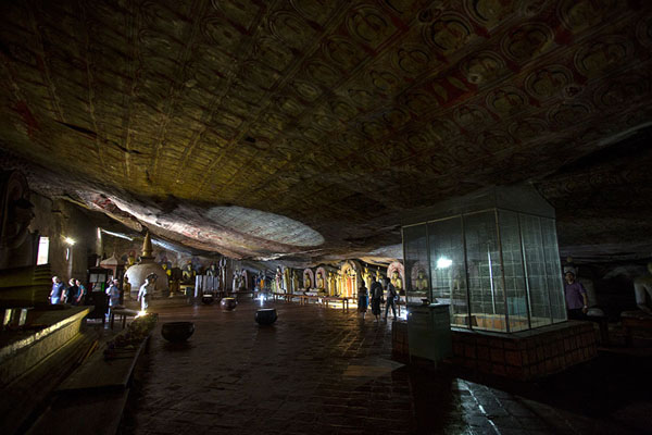 Overview of the Maha Raja Viharaya cave | Temple des grottes de Dambulla | Sri Lanka