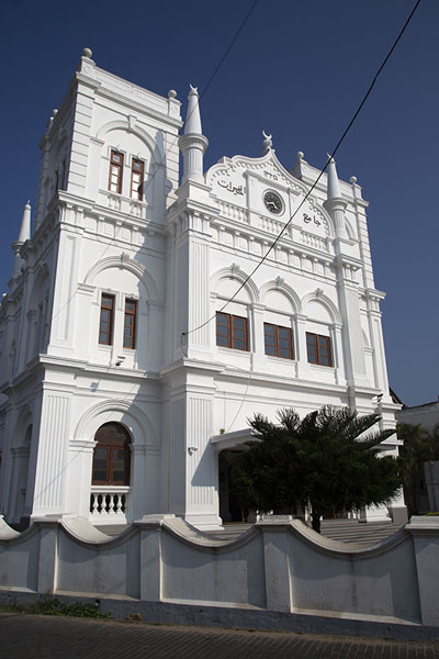 Picture of The white Meeran Jumma mosque near the Utrecht bastion at the southeast side of Galle - Sri Lanka - Asia