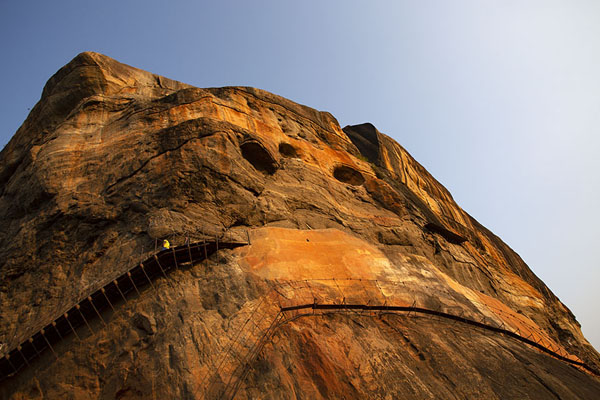 Looking up Sigiriya at the end of the afternoon, with the Mirror Wall clearly visible | Sigiriya | 斯里兰卡