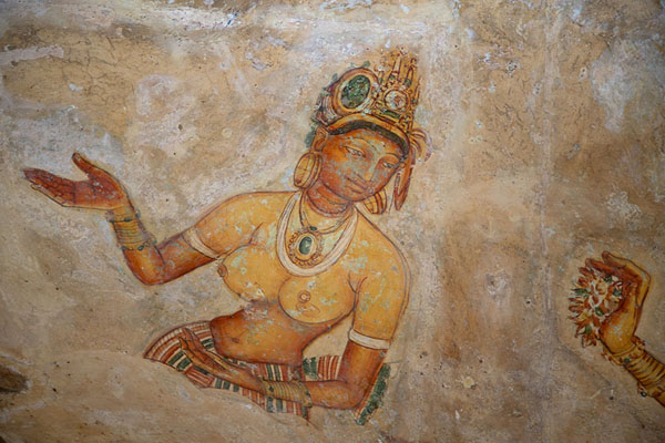 Foto van Fragment of the famed frescoes halfway up Sigiriya rockSigiriya - Sri Lanka