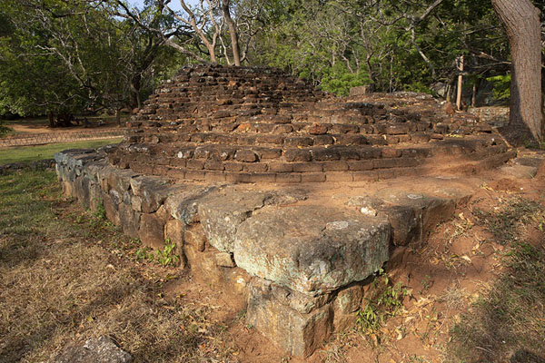 Foto di Ruins of a stupa at the foot of Sigiriya RockSigiriya - Sri Lanka