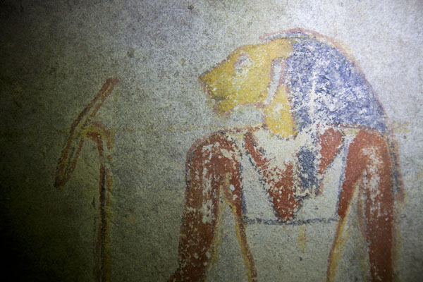 Foto van Lion-headed god depicted in a mural inside a royal tomb at El KurruKurru - Soedan
