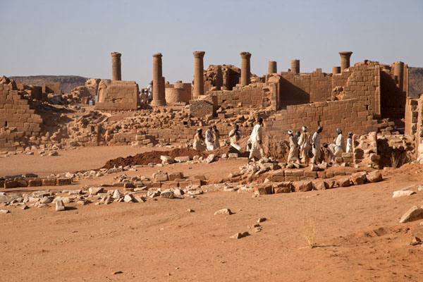 Workers busy at the Great Enclosure | Musawarat es Sufra | Sudan