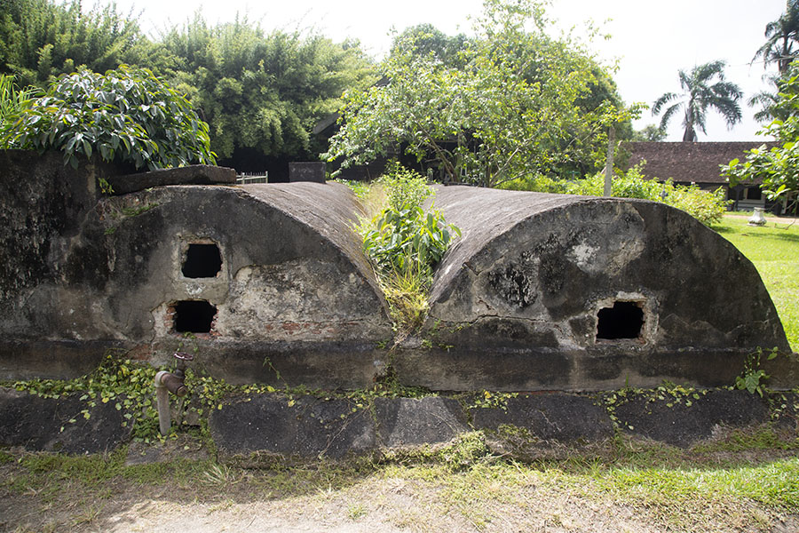 Photo de Water tanks in Fort Nieuw AmsterdamNieuw Amsterdam - le Surinam
