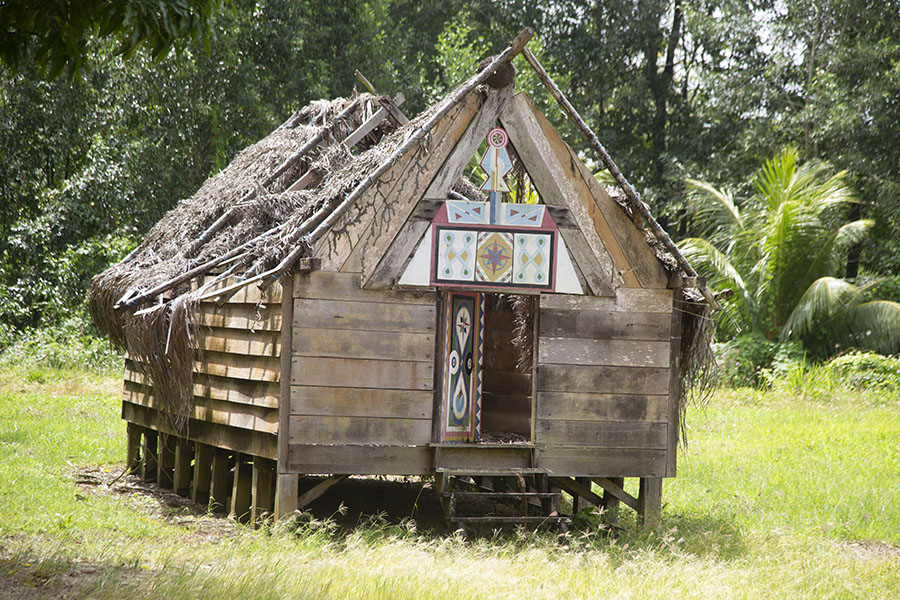 Indigenous house on the grounds of Fort Nieuw Amsterdam | Forteresse Nieuw Amsterdam | le Surinam