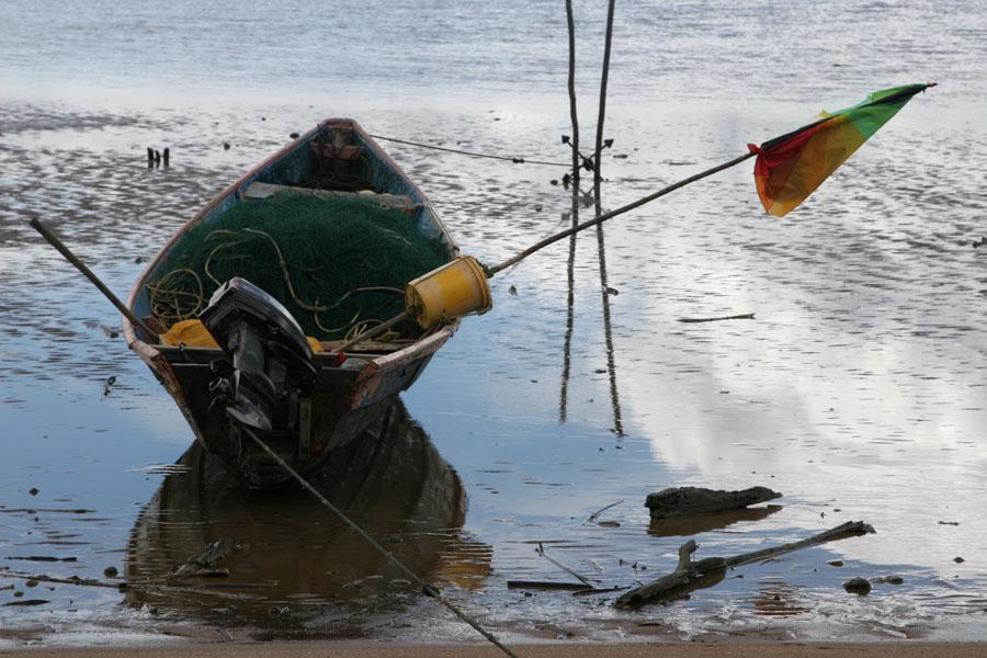 Foto di Suriname (Fisherboat in the Marowijne river off the beach of Galibi)