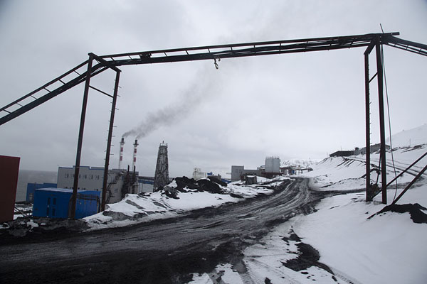 Pipes over a dirt road in Barentsburg | Barentsburg | Svalbard and Jan Mayen