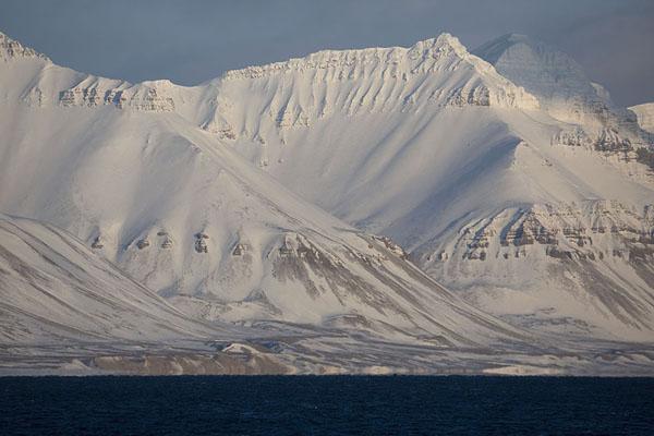 Picture of Billefjorden (Svalbard and Jan Mayen): Mountains covered in snow in Billefjorden