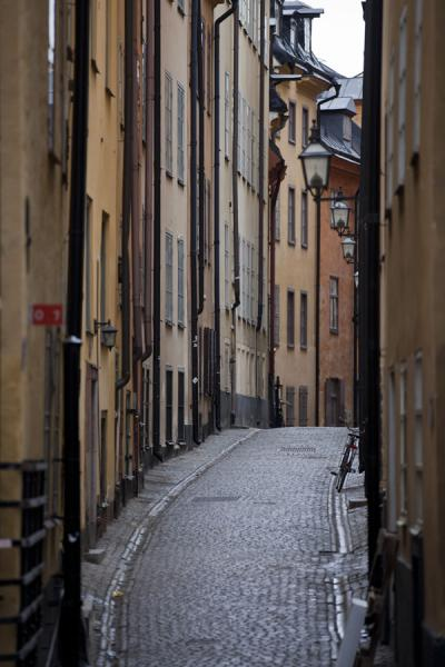 Picture of Gamla Stan (Sweden): Narrow alley in the heart of Gamla Stan