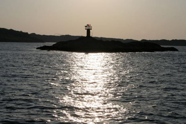 Lighthouse on a small island in Gothenburg archipelago | Gotenburgo | Suecia