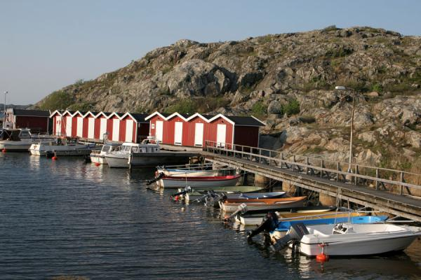瑞典 (Boats, houses and rocks, typical for Gothenburg archipelago islands)