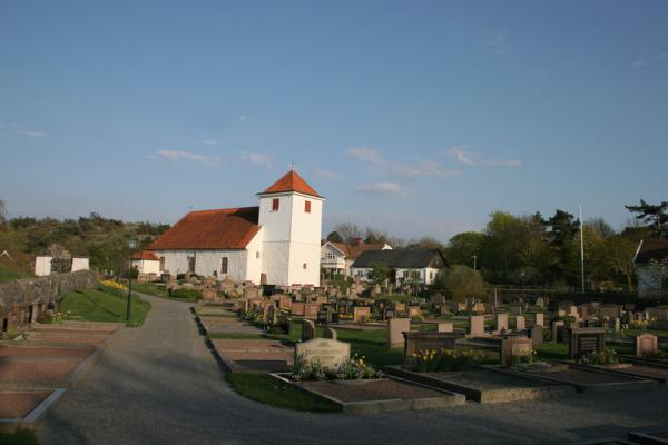 Church and churchyard of Styrsö in Gothenburg archipelago | Gotenburgo | Suecia