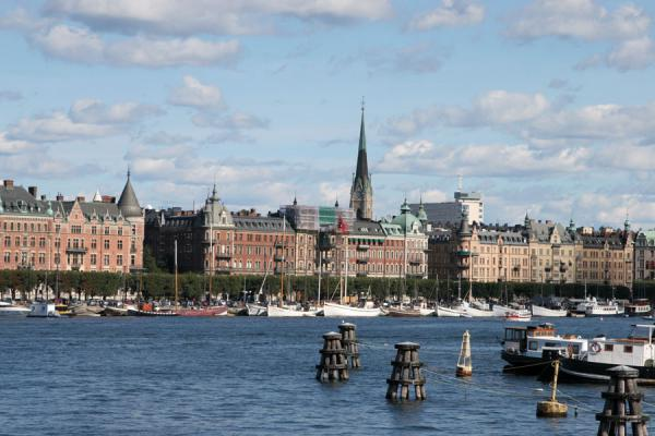 Picture of Stockholm waterfront (Sweden): Strandvägen waterfront seen from Skeppsholmsbron