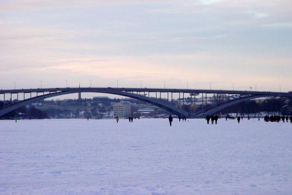 Picture of Stockholm Winter (Sweden): Västerbron bridge over the ice, Stockholm