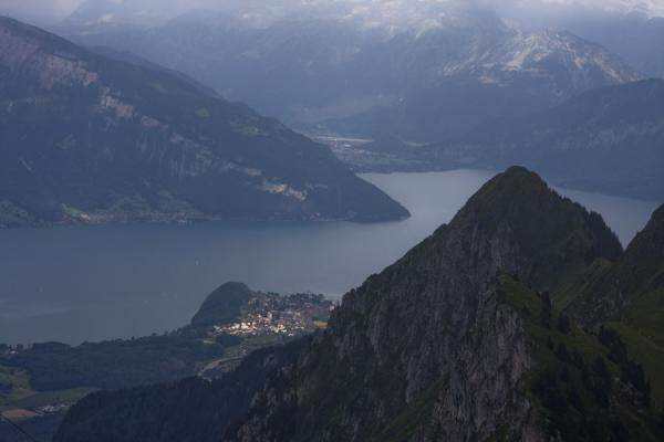 Photo de Lake of Thun seen from the summit of Stockhorn - la Suisse - Europe