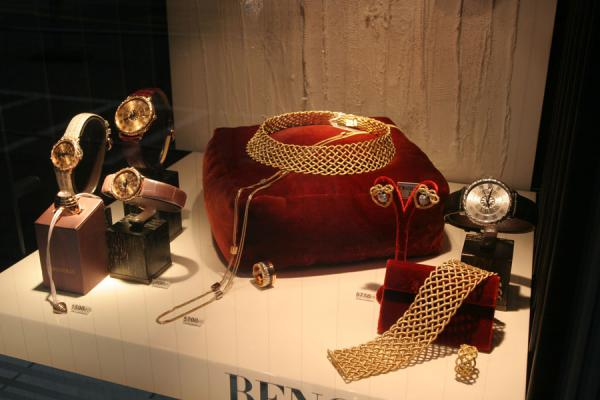 Watches and jewellery geared for the rich buyer | Relojes suizos | Suiza