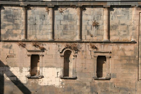 Picture of Bosra Amphitheatre (Syria): Bosra amphitheatre: close-up of one of the walls