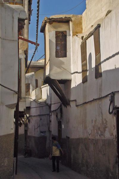 Picture of Damascus' old city (Syria): Alley in Damascus old city