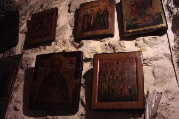 Picture of Maloula (Syria): Maloula: icons in St. Taqla shrine