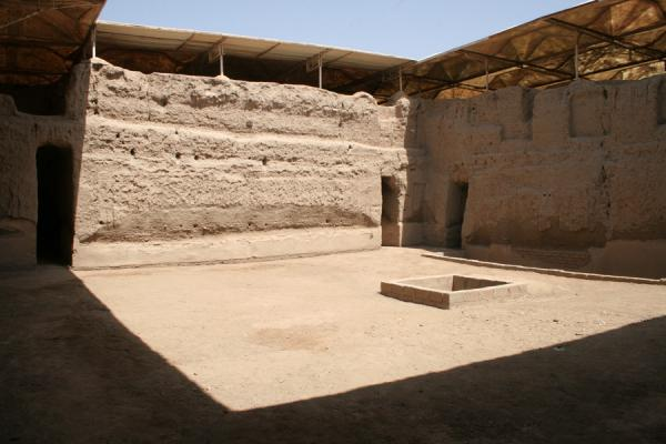 Central courtyard of the royal palace of Zimri-Lim | Mari | Syria