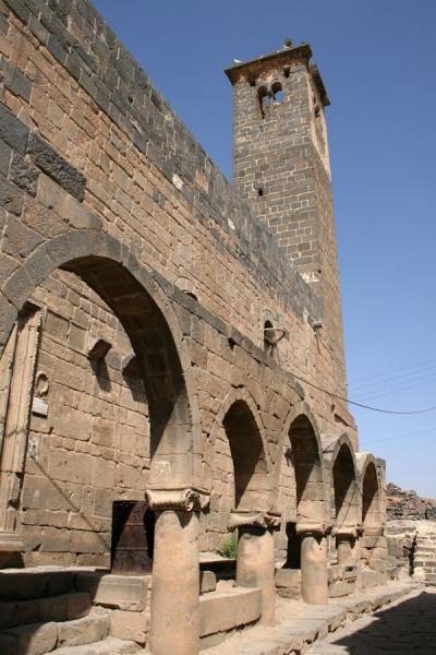 Picture of Omar Mosque (Syria): Omar mosque with square minaret as seen from a Roman street