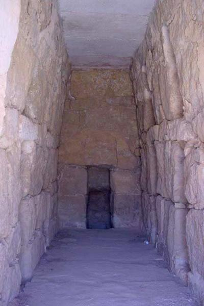 Picture of Tombs of Palmyra (Syria): Inside tomb tower of poor family; Palmyra
