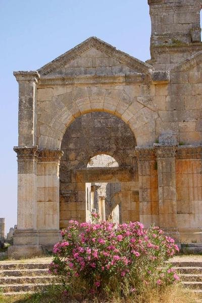 Picture of Saint Simeon (Syria): Saint Simeon: entrance to basilica