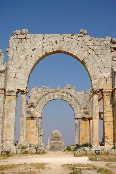 Picture of Saint Simeon (Syria): Arches at Saint Simeon