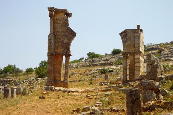 Picture of Saint Simeon (Syria): Remains of arch at Saint Simeon