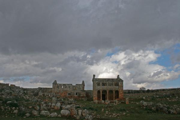 Picture of Serjilla (Syria): Serjilla seen from a distance