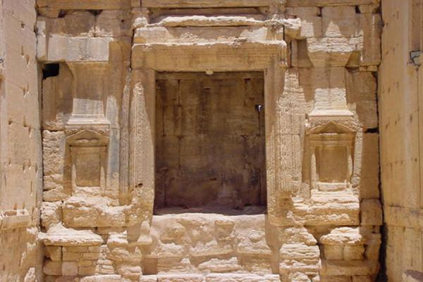 Entrance to the northern thalamoi | Temple of Bel | Syria