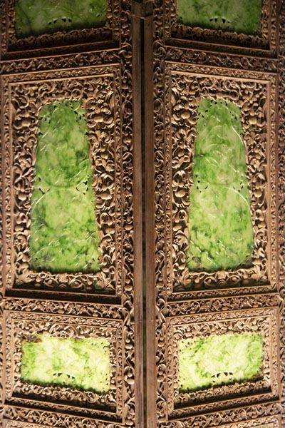 Carved wooden screen with jade panels - 台湾 - 亚洲