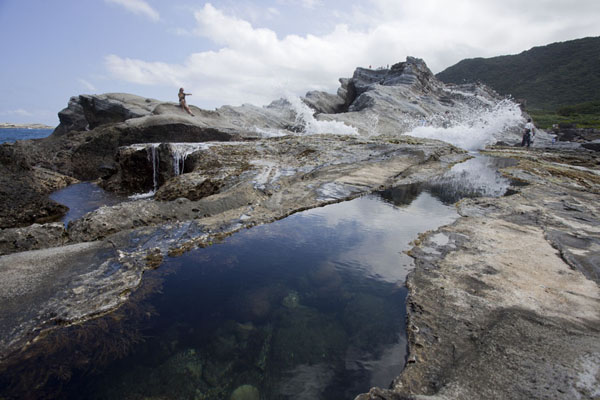 Foto van Natural rock pools at the recreation area south of ShihtipingEast Coast - Taiwan