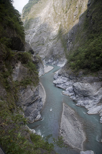 Foto van The sun disappears from Taroko Gorge in the afternoonTaroko Gorge - Taiwan