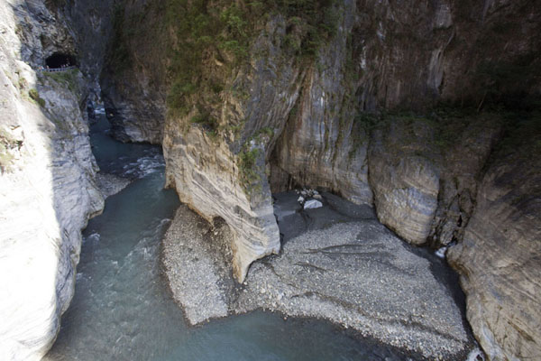Picture of Taroko Gorge (Taiwan): The Liwu river sneaks through this narrow section of Taroko Gorge