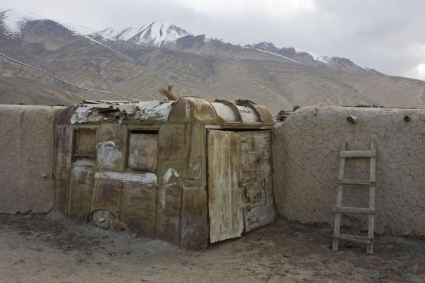 Picture of Bulunkul (Tajikistan): Recycling of old materials is common in houses in Bulunkul