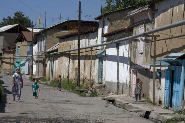 Picture of Istaravshan Old Town (Tajikistan): View of a typical street in the old town of Istaravshan