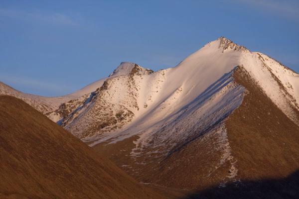 Picture of Keng Shiber (Tajikistan): Sunset over one of the snow-capped mountains of Keng Shiber