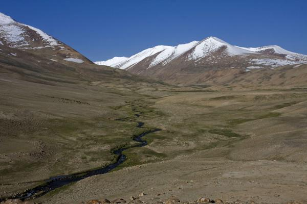 Picture of Keng Shiber (Tajikistan): Mountains and river in Keng Shiber